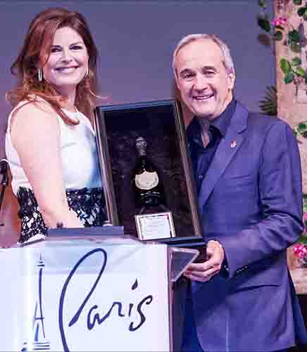 Elizabeth Blau accepting Dom Perignon Award of Excellence from Larry Ruvo at UNLVinos Grand Tasting 4.20. 2013