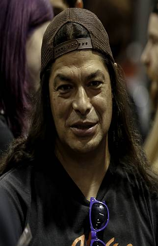 Robert Trujillo endorsing and signing autographs at the framus booth at namm 2016