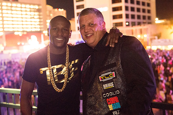 Derek Stevens and Floyd Mayweather Enjoy I Love The 90s Tour at the Downtown Las Vegas Events Center 1