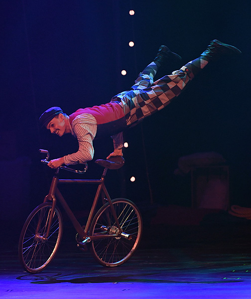 The Cycling Cyclone Florian Blummel Performs in CIRCUS 1903 at Paris Las Vegas Ethan Miller
