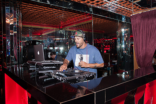 Kevin Federline DJing at Crazy Horse III by Jenna Dosch