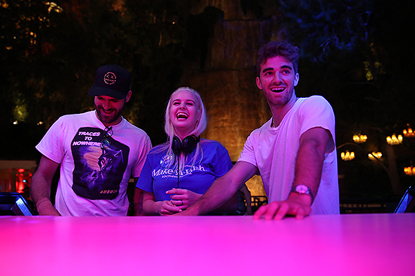 Make A Wish Recipient Sarah Hodge with Wynn Nightlife Resident DJ Duo The Chainsmokers at Intrigue Nightclub Las Vegas 8.17.18 Credit Danny Mahoney for Wynn Nightlife 12