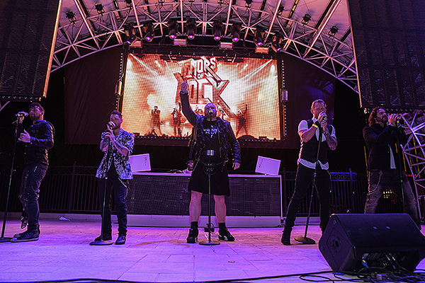 Tenors of Rock perform a medley of 80s rock hits at AFAN s Black White Party Credit Amit Dadlaney