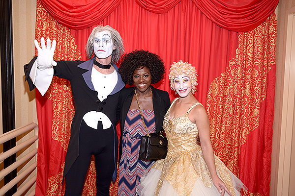 Viola Davis poses with O by Cirque du Soleil cast members Aug. 24
