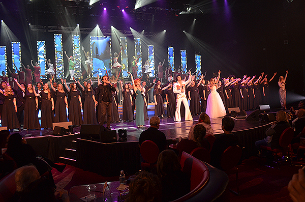 Legends in Concert 2019 Holiday Spectacular - Photo credit: Stephen Thorburn