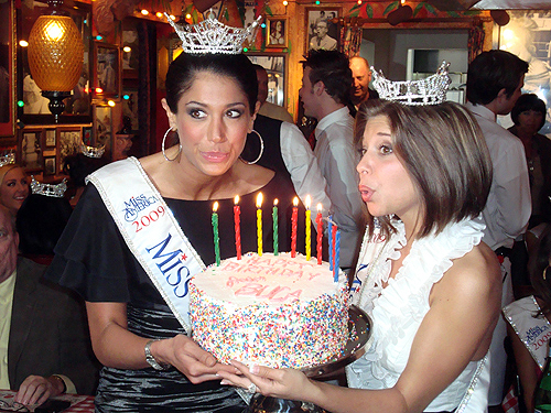 Miss_America_Contestants_at_Buca_Di_Beppo_-_Judy_Thorburn_095