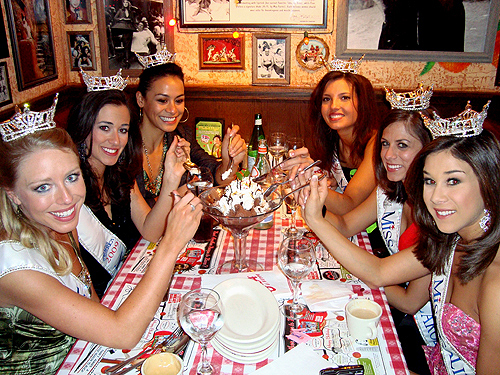 Miss_America_Contestants_at_Buca_Di_Beppo_-_Judy_Thorburn_097