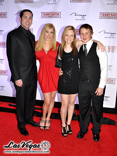 Cameron_Lewis_Kimi_Lewis_Dani_Lewis_and_Wesley_Parks_-_Terry_Fator_066
