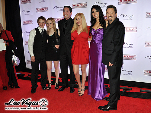 Cameron_Lewis_Kimi_Lewis_Dani_Lewis_and_Wesley_Parks_-_Terry_Fator_282