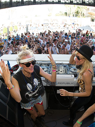 NERVO Dancing WET REPUBLIC