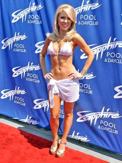 Gretchen Rossi Sapphire Pool Day Club 23212