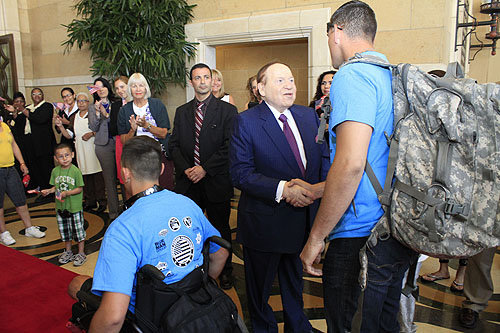 Mr._Adelson_greets_wounded_veteran
