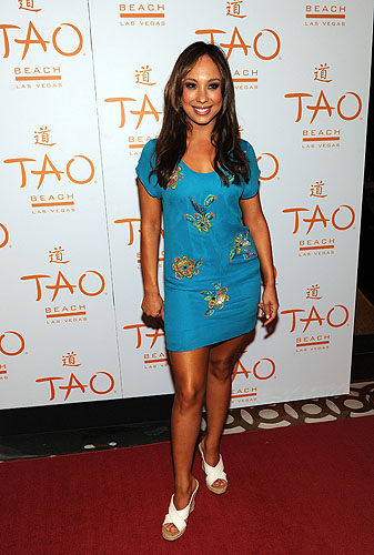 Cheryl_Burke_at_TAO_Beach_red_carpet