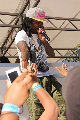 Wale_with_fans_at_Ditch_Fridays_at_Palms_Pool__Bungalows_6.15.12