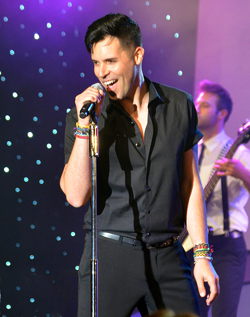 Frankie Moreno performing 53001
