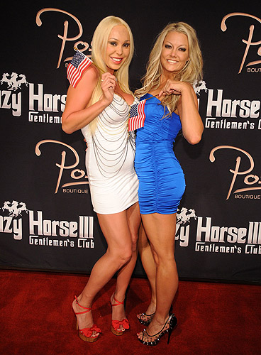 Mary_Carey_and_Heather_Chadwell_on_red_carpet_at_Crazy_Horse_III