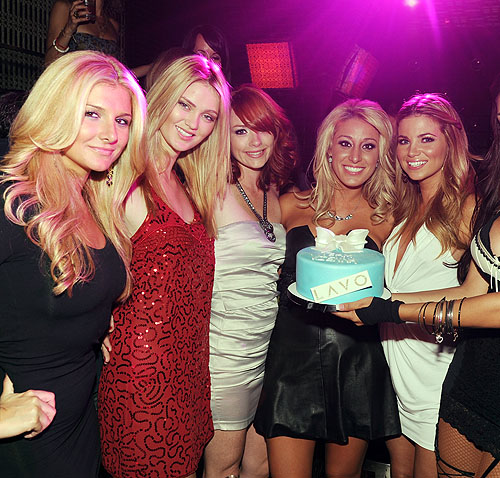 Ashleigh_Hunt_Chelsea_Rae_Christine_Collins_Vienna_Girardi_and_Amber_Lancaster_at_LAVO