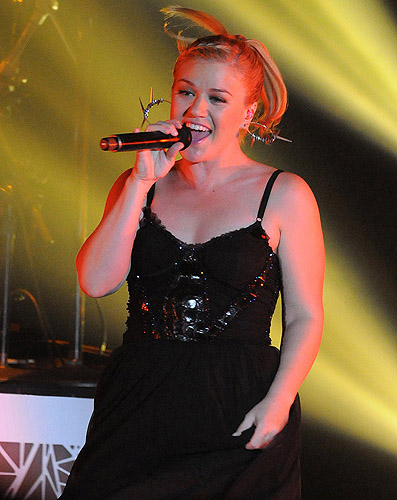 Kelly_Clarkson_2