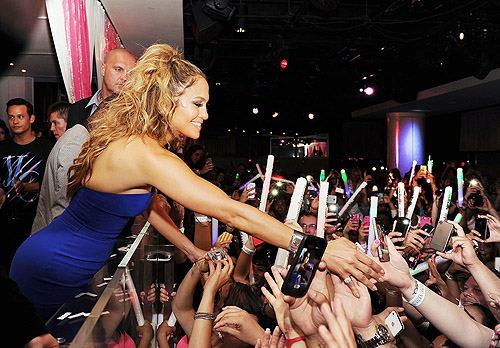 JLO_PURE_Nightclub_Fans_8.18.12