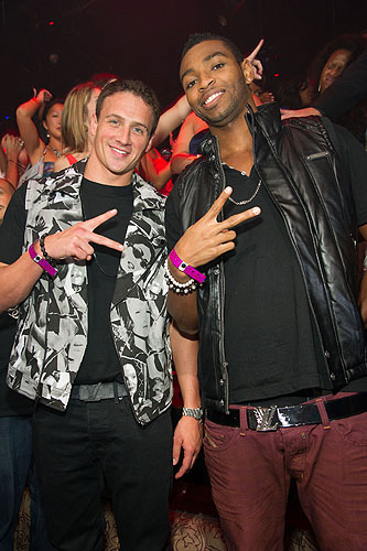 Olympic_Gold_Medalists_Ryan_Lochte_and_Cullen_Jones_at_TAO_Nightclub