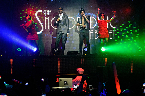 Snoop Dogg and Wiz Khalifa Performing at TAO
