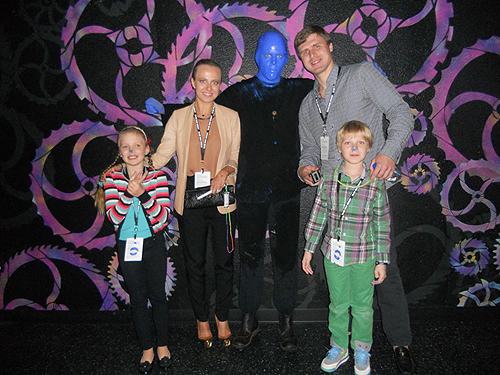 10.10.13 Ilya Bryzgalov and family at Blue Man Group in Monte Carlo Resort and Casino