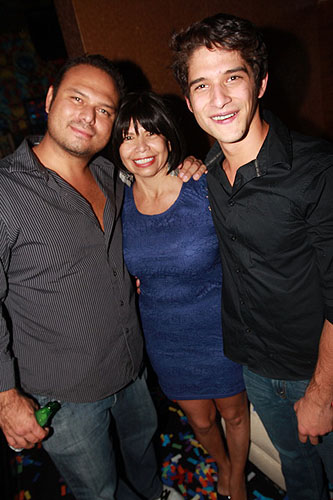 Actor_Tyler_Posey_makes_it_a_family_affair_for_his_21st_birthday._He_celebrated_with_his_mother_and_brother_10_27_12