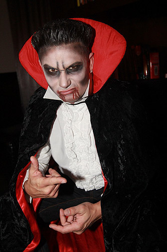 DJ_Pauly_D_dresses_up_as_a_vampire_for_Vanity_Nightclubs_Sinners_Ball_10_28_12