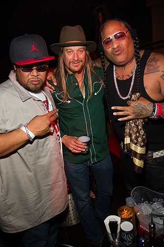 Kid_Rock_and_the_Boo_Yaa_Tribe_at_LAVO