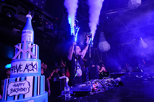 Steve Aoki CO 2 Guns Hakkasan Nightclub