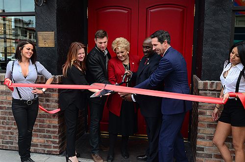 Kenna Warner Ryan Doherty Mayor Carolyn Goodman Councilman Ricki Barlow Mike Parks cut the red ribbon at Commonwealth