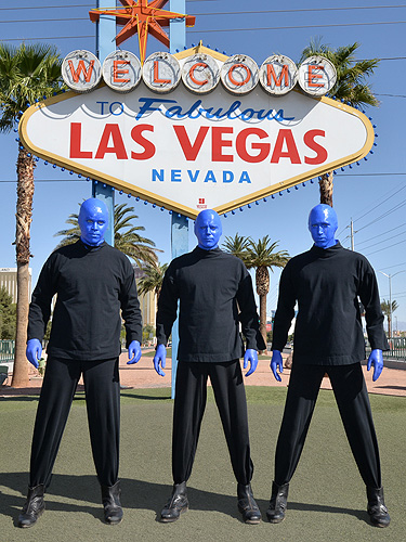 4.2.15 Blue Man Group at the Welcome to Fabulous Las Vegas Sign for World Autism Awareness Day