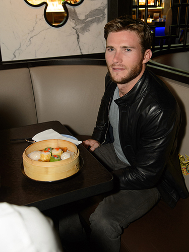 Scott Eastwood solo HK Restaurant