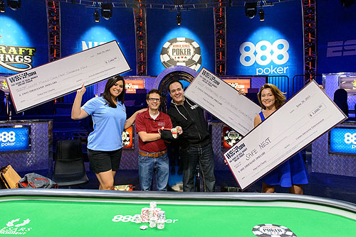 The group show off their Battle of the News winnings Photo Credit JAYNE FURMAN WSOP