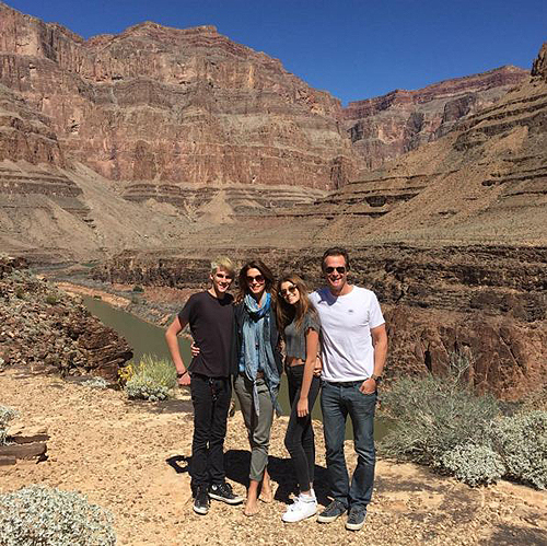 03.23.16 Cindy Crawford at Grand Canyon Maverick Helicopters