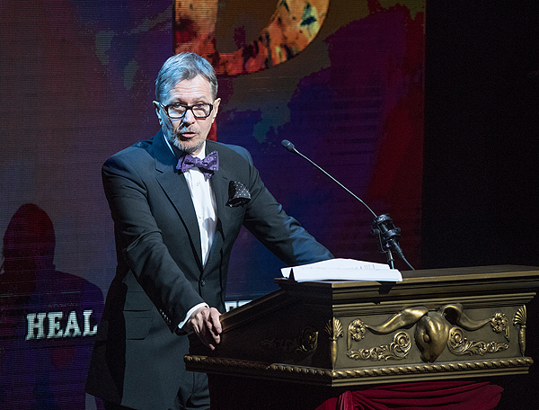 Gary Oldman presents at the inaugural HELP gala Sept 12 2016 Tom Donoghue