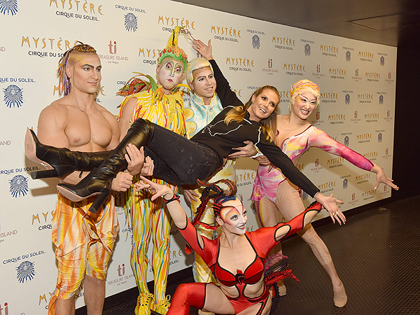 Heidi Klum at Mystere by Cirque du Soleil Dec. 12 2016 2