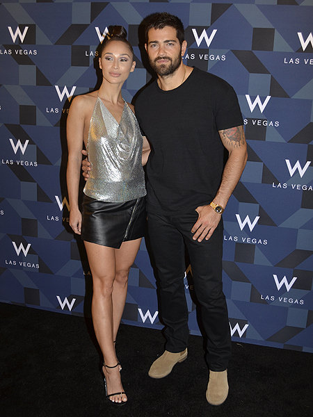 Cara Santana and Jesse Metcalfe W Grand Opening 3641